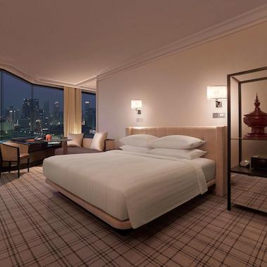 Central Hotels in Bangkok
